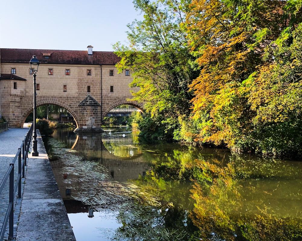 """Amberger """"Stadtbrille"""" - Wassertor über die Vils"""
